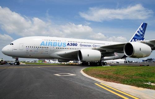 امارات ۳۶ فروند هواپیمای مسافربری ایرباس ای۳۸۰ به ارزش ۱۶ میلیارد دلار خریداری کرد