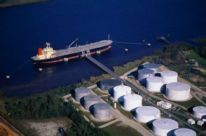 شرکت نفت کوتاه آمد، نرخ سوآپ نفت کاهش یافت