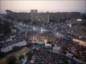ادامه اعتراضات طرفداران مرسی و فراخوان برای تظاهرات سراسری در روز دوشنبه