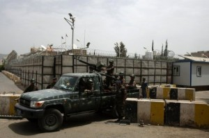 یک مقام ایرانی کشف جسد دیپلمات ایرانی در یمن را تکذیب کرد