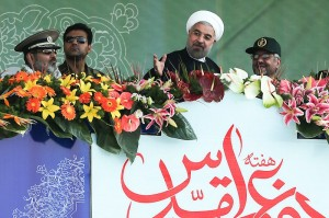 رئیسجمهور در مراسم رژه روز ارتش:در برابر هر تجاوز قاطعانه میایستیم