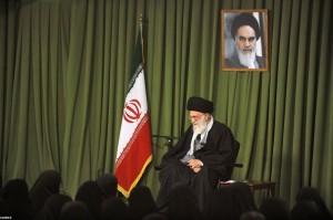 رهبر معظم انقلاب:«سلامت، امنیت و آرامش زن در خانواده» مسئله اصلی است