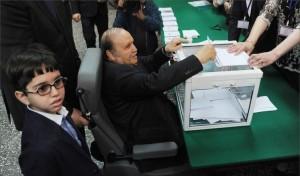 اعلام رسمی پیروزی بوتفلیقه درانتخابات الجزایر