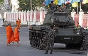 تاسف جامعه جهانی از کودتای تایلند؛ ارتش امروز با شیناواترا مذاکره میکند