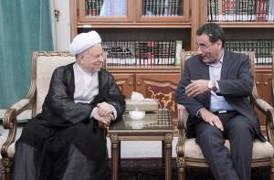 دیدار خانواده وزیر علوم با آیتالله هاشمی رفسنجانی