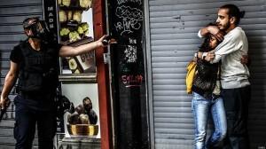 شلیک گاز اشکآور و بازداشت بیش از 100 تن در سالروز اعتراضات پارک گزی + تصاویر