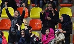 نظرآيت الله مکارم درباره حضور بانوان در ورزشگاه