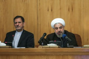 روحانی: دولت پرچمدار نقد خواهد بود/برابر تخریبگران سکوت نمیکنیم