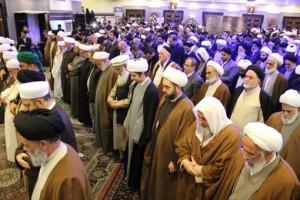 نماز جداگانه روز اول تبدیل به نماز وحدت در اختتامیه شد/عکس