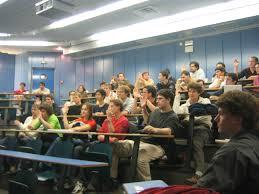 برهنه شدن استاد فرانسوی در کلاس درس