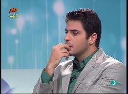 علی ضیا: هركه از مادرش قهر میكند خبرنگار میشود!