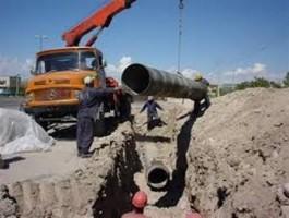 تحویل آب بستهبندی به روستاییان